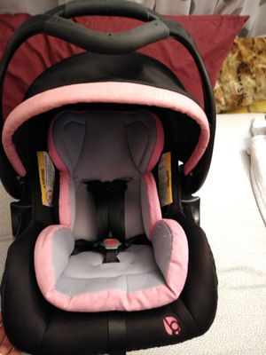 Baby trend car seat. for Sale in Renton, WA