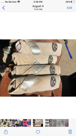 Professional Choice splint boots White with sparkle silver strap for Sale in Prunedale, CA