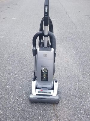 Kenmore Intuition upright vacuum for Sale in Silver Spring, MD