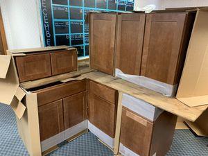 Kitchen cabinets L shape for Sale in Lincoln, RI