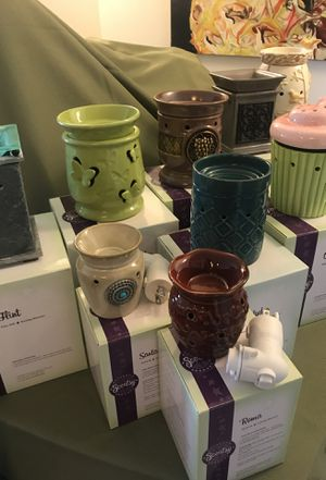 9 Pc Lot of Assorted SCENTSY Warmers for Sale in Wilton Manors, FL