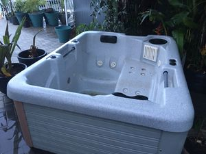 Hot Tub Jacuzzi for Sale in Pompano Beach, FL