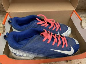 Nike Cleats US 6Y CM 27 for Sale in Mountain View, CA