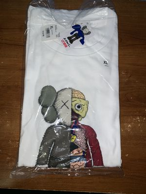 Kaws x Uniqlo XL for Sale in Clovis, CA