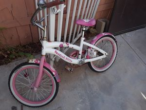 Hello kitty and huffy kid bike for Sale in Perris, CA