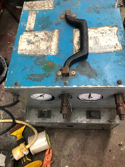 Air-conditioning evacuation pump Freon recycler for Sale in Miami,  FL