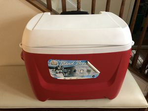 Igloo wheeled cooler for Sale in Herndon, VA