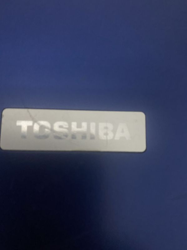 TOSHIBA Laptop 19 Inch . For Part . Pick Up Only Cash .
