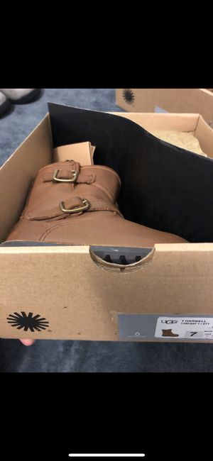 Ugg Harwell boots size7 for Sale in Philadelphia, PA