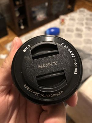 Sony 16-50mm F3.5-5.6 Retractable Zoom Lens for Sale in The Bronx, NY
