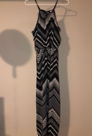Black and white maxi dress size medium for Sale in Chicago, IL