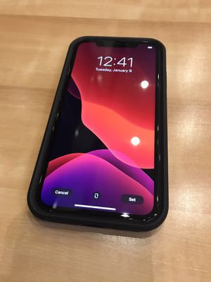 A PPLE #1 WOW LOOK GET IT🎁 IPHONE XR 64GB UNLOCK METROPCS TMOBILE AT&T CRICKET SIMPLE CUBA HAITI BRAZIL DOMINICAN COLOMBIA JAMAICA ARGENTI for Sale in Fort Lauderdale, FL