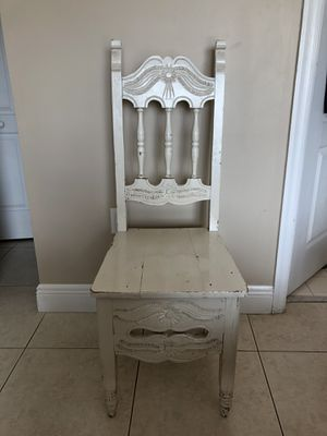 Antique White Chair for Sale in Miami, FL