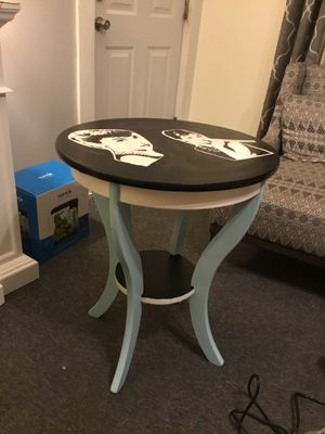 Two tiered table for Sale in Woonsocket, RI