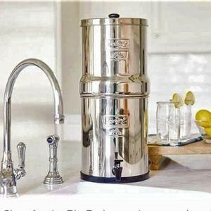 Big Berkey Fresh Water Filtration System for Sale in Los Angeles, CA