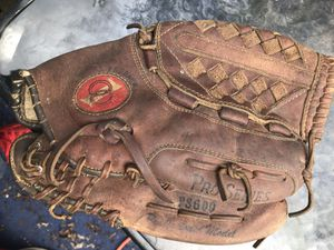 Adult baseball gloves/mitt $15 for Sale in Parma, OH