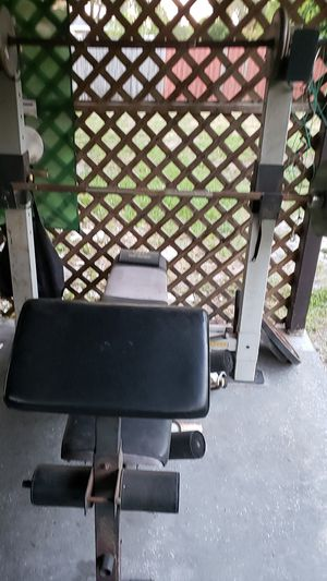 Holds gym pro series wheigh bench with curl bar and shoulder press for Sale in Belleair, FL
