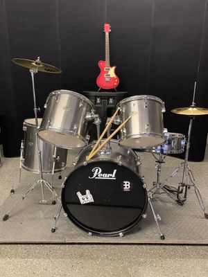 Pearl forum drum set meinl cymbals for Sale in Las Vegas, NV