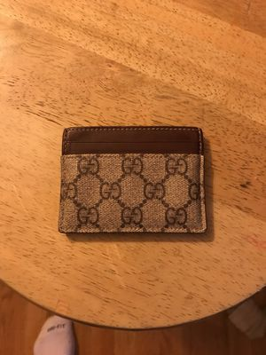 GG supreme Gucci cardholder for Sale in Columbus, OH