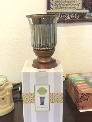 Scentsy Amber Flute Warmer for Sale in Ontario, CA