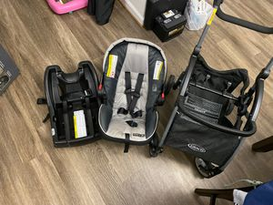 """(CarSeat, Stroller) Graco Snug-ride 35 """"Click Connect"""" w/ Base, and seat carrier for Sale in Chesapeake, VA"""