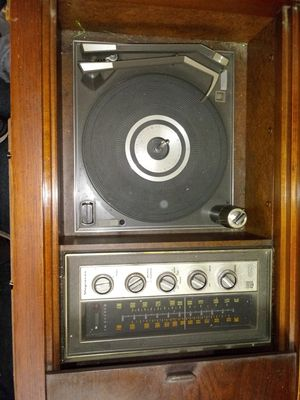 Vintage Stereo Console for Sale in Westerville, OH