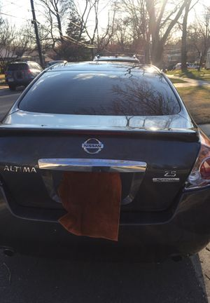 Nisan altima 2011. 61 ,000 millas for Sale in Silver Spring, MD