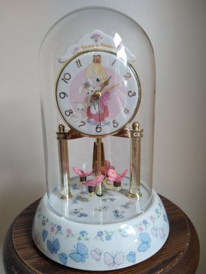 Precious Moments Anniversary Clock - I Believe in Miracles for Sale in Broadview, IL