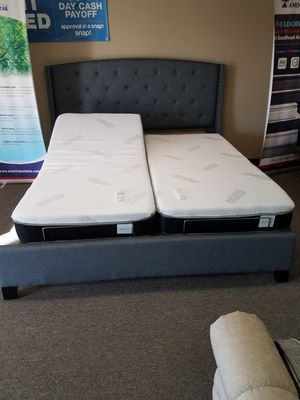 King split adjustable base with free mattress and free delivery for Sale in Arlington, TX