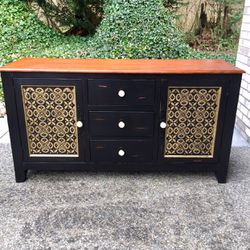 Credenza / Buffet / Media Stand for Sale in Puyallup,  WA