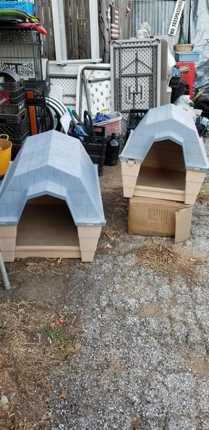 New dog houses small and medium large for Sale in Euless, TX