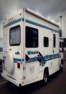 motorhome MinnieWinnie Sleeping 6 for Sale in Austin, TX