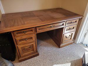 Desk, executive for Sale in Aloma, FL