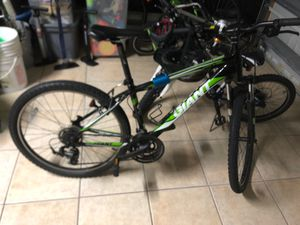 Small all original Giant mountain bike Willing to trade For Medium Mountain Bike for Sale in Port St. Lucie, FL