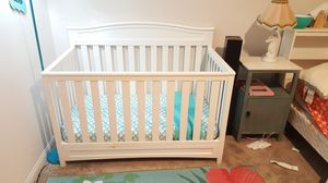 Crib turns into toddler bed for Sale in Menifee, CA