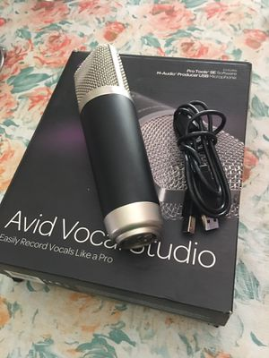 AVid. Vocal. Studio. Microphone. Great conditions for Sale in Downey, CA