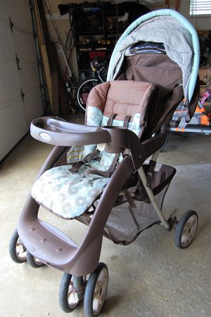Graco Stoller with FREE Car Seat for Sale in Ocean Shores, WA