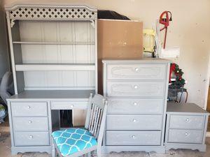 Bedroom furniture set for Sale in Grand Prairie, TX