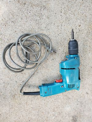 Makita electric drill trabaja muy bien good condition for Sale in Mesquite, TX