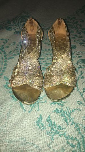 Gold Heels Size 9 for Sale in Phoenix, AZ