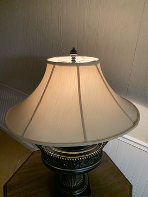Black & gold antique table lamp for Sale in Manchester, MO