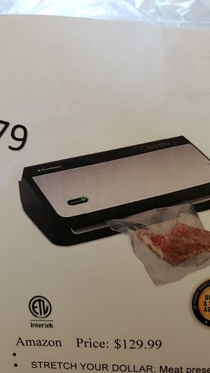 Vacuum Sealer Machine, FoodSaver FM2435 for Sale in Las Vegas, NV