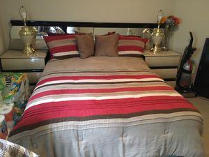 Full bedroom set for Sale in Warner Robins, GA