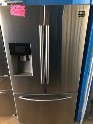 New Samsung stainless steel French door refrigerator for Sale in Corona, CA