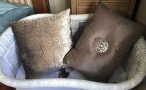 Couch or bed decorative pillows for Sale in Vancouver, WA