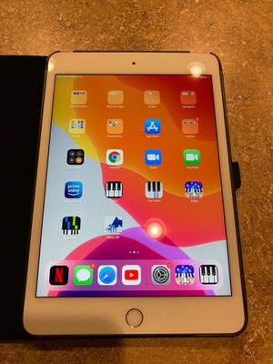 iPad mini 5 lates model 68gb for Sale in Joint Base Lewis-McChord, WA