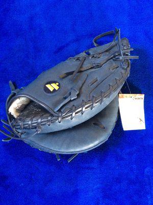 Worth Baseball Catchers Glove Mitt for Sale in Tacoma, WA