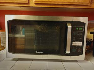 Magic Chef 1.6 Cu. Microwave Oven for Sale in Ontario, CA