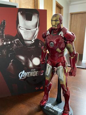 Hot Toys 1/6 Marvel Avengers MMS185 Iron Man Mark VII 7 for Sale in Issaquah, WA