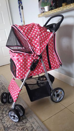 Dog stroller for Sale in Miami Gardens, FL